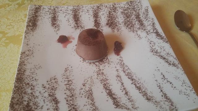 Budino di cioccolato e visciole